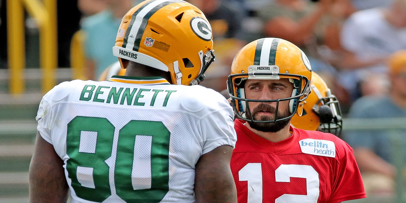 Packers Morning Buzz: Martellus Bennett takes Twitter swipe at Aaron Rodgers - Packers News thumbnail