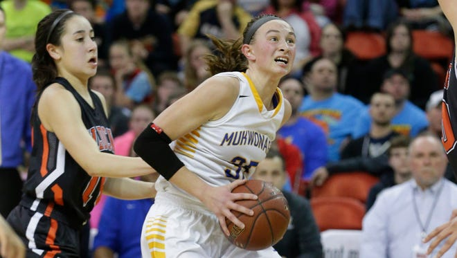 Mukwonago's Bre Cera drives to the basket during the Division 1 girls state championship game in 2016.