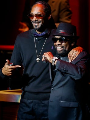 Snoop Dogg (right) performs with Memphis Music Hall