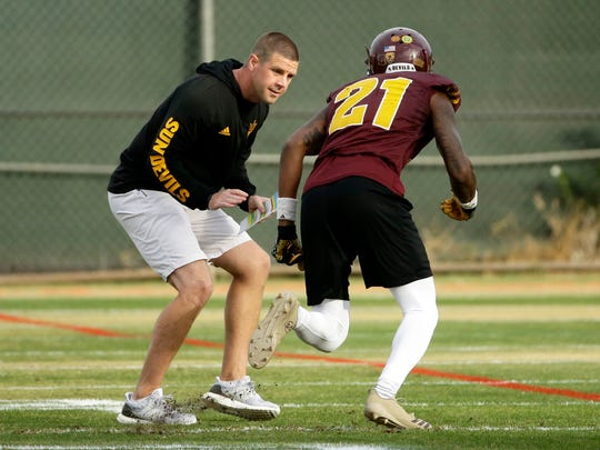Arizona State offensive coordinator Billy Napier during
