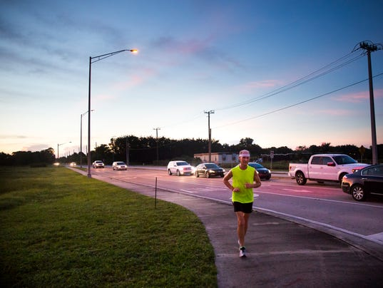 Citizen 0909 A cover (running man)