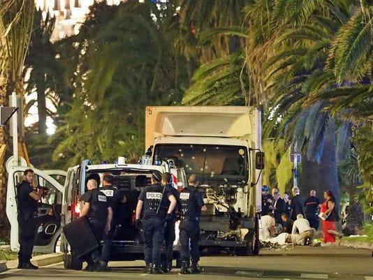 636041791834728062-France-Truck-Attack-Andr.jpg
