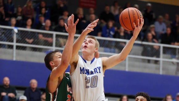 McNary's Cade Goff and the Celtics defeat Wilson 77-65