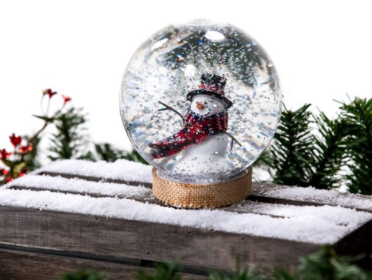 Christmas DIY crafts: Handmade snow globes