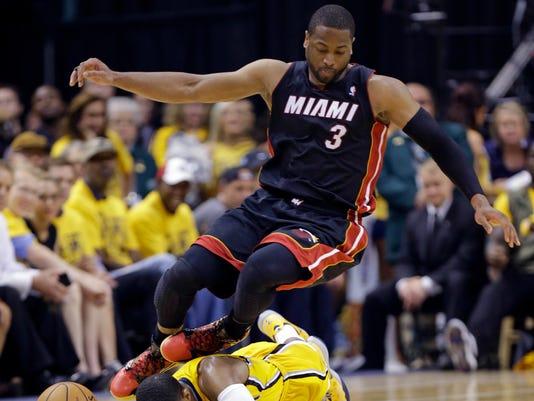 APTOPIX_Heat_Pacers_Basketball_NAF305_WEB685305