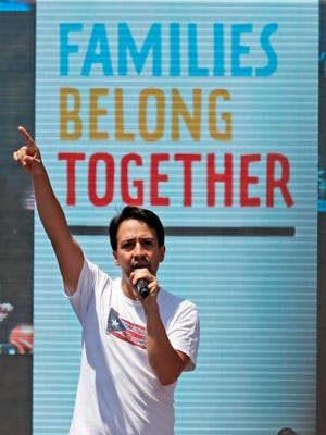 """Lin-Manuel Miranda sang his """"Hamilton"""" lullaby """"Dear Theodosia"""" on behalf of detained immigrant parents """"who can't sing their kids to sleep tonight."""""""