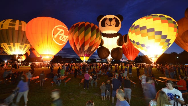 """Balloon glow"" events will be held during the Red River Balloon Rally."