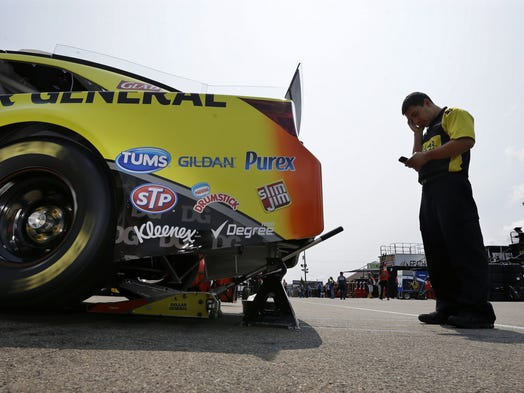 New sprint cup qualifying format comes to watkins gklen for Garage sprint auto stains