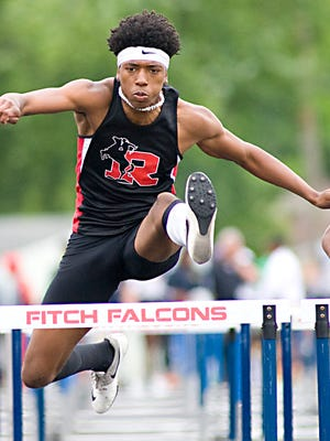 Roosevelt's Anthony Glass qualified for the state meet last year.