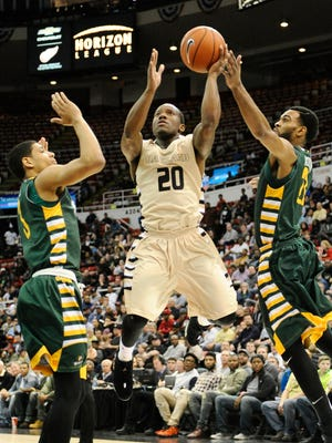 Kay Felder has reportedly hired Mike Silverman and Brandon Grier of Athlete Management Group.