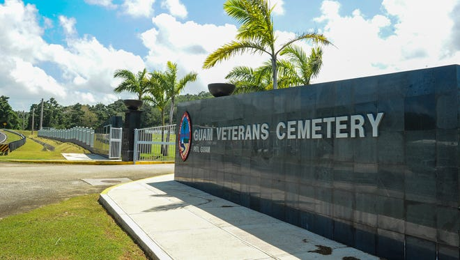 Next of kin of veterans not buried at national or state veterans cemetery may order a bronze medallion to attach to existing, privately purchased headstones or markers, signifying a deceased's status as a veteran.