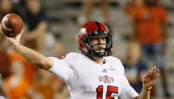 Arkansas State quarterback Justice Hansen threw a touchdown pass with 9 seconds remaining to lift the Red Wolves to victory.