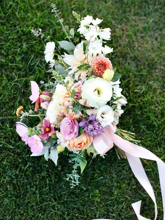 636518844467573516-bouquet1.jpg