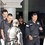 Tras ser detenido acusado de fraude en su gestión como alcalde, Adán Soria dejó el penal después de pagar una fianza.