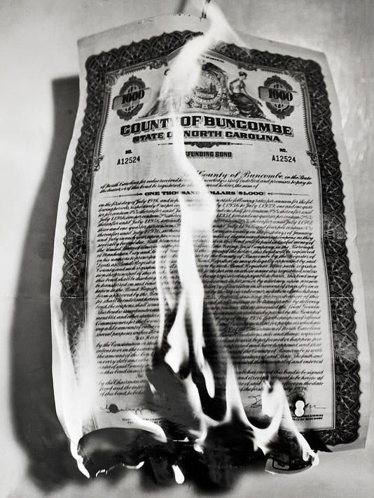 -Bond Burning copy.jpg_20140612.jpg
