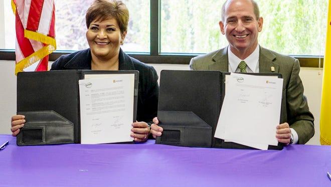 Susan Escarcega Castellanos, president of Universidad Tecnologica de Parral and Dr. Joseph Shepard, WNMU president, recently signed a memorandum of understanding between both institutions.