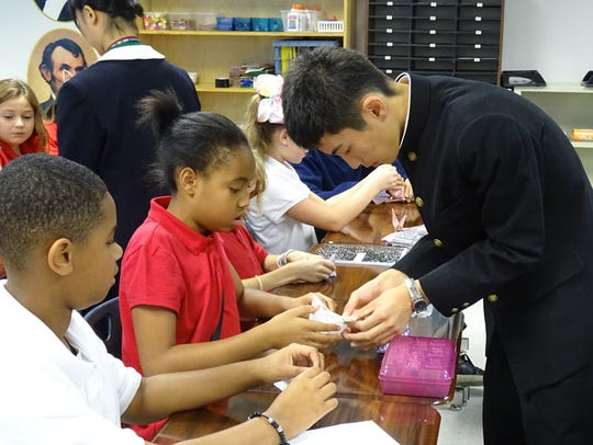 Japanese students led students from Richland School