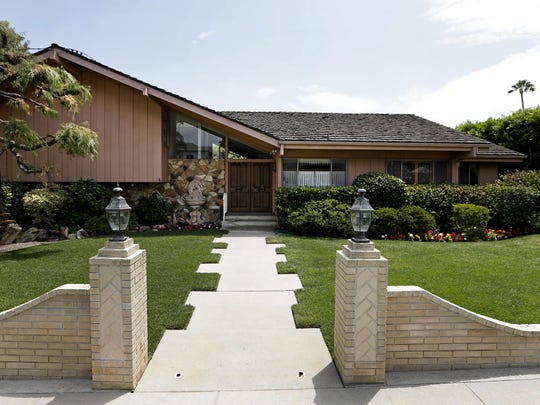 "This split-level home in Studio City served as ""The Brady Bunch"" house and was acquired and remodeled by HGTV."