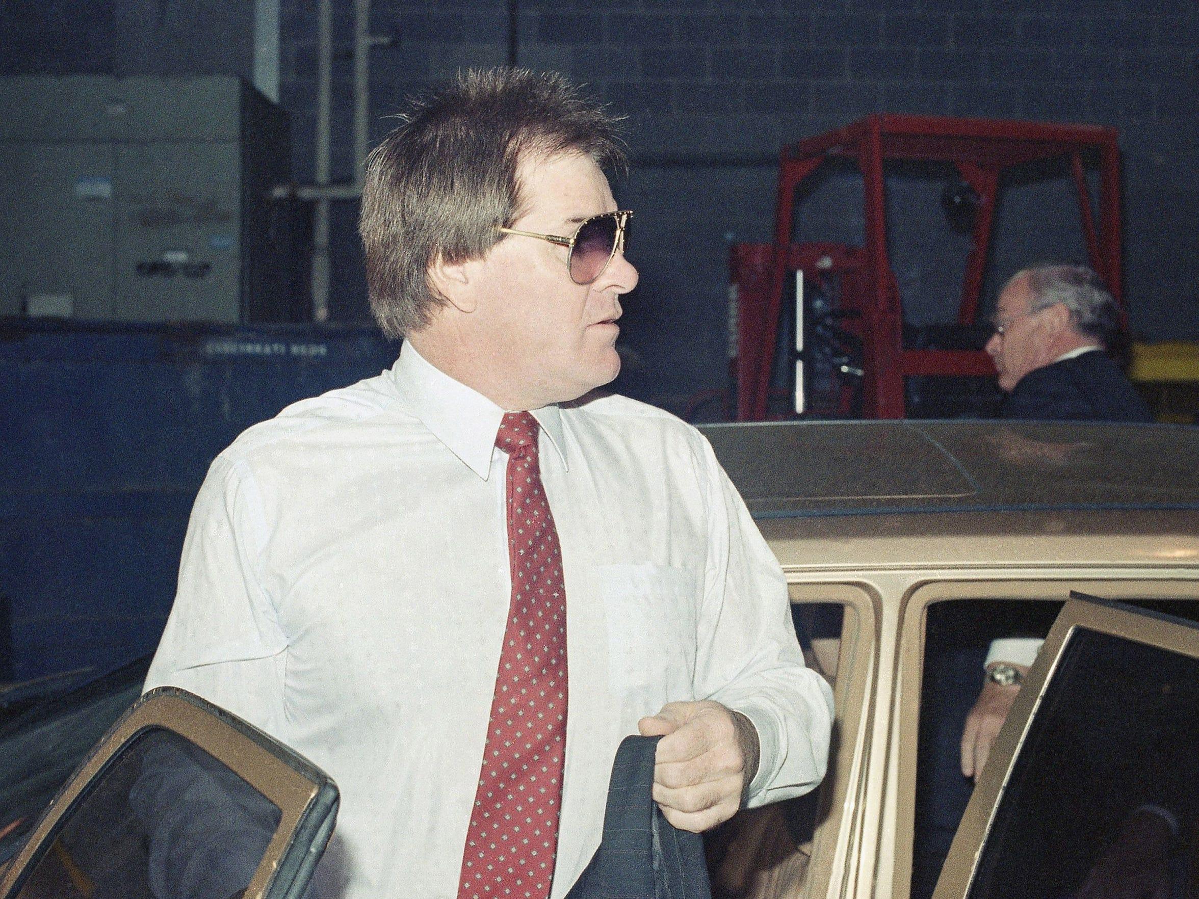 Cincinnati Reds Manager Pete Rose enters Riverfront