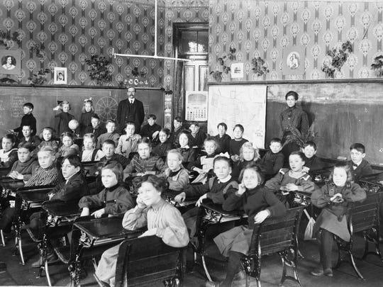 Images P27 Lancaster school 1905