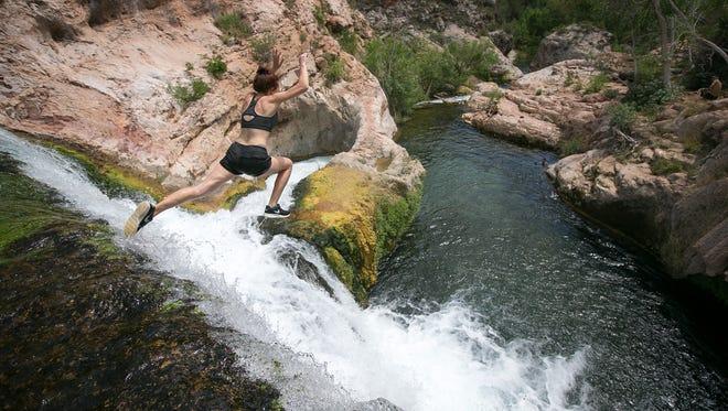Imágenes de Fossil Creek, localizado en el Parque Nacional Coconino, a unas 80 millas al noreste de Phoenix, Arizona, cerca de Camp Verde