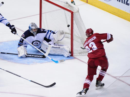 NHL: Winnipeg Jets at Arizona Coyotes