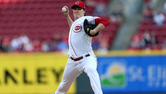Cincinnati Reds starting pitcher Homer Bailey (34) delivers in the first inning during a National League baseball game between the New York Mets and the Cincinnati Reds, Monday, May 7, 2018, at Great American Ball Park in Cincinnati.