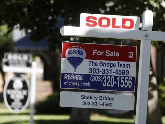 Sold signs for homes,r m
