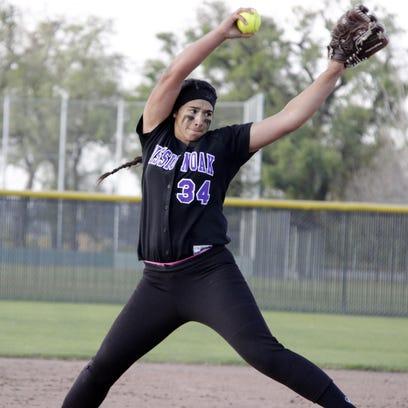 Softball: Mariah Mazon breaks 700 career strikeouts
