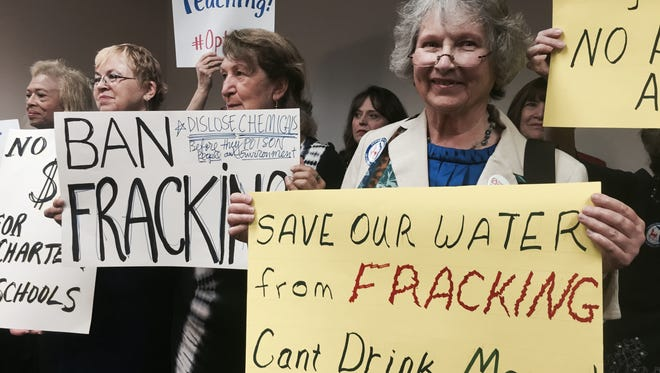 Fracking opponents gather at the Capitol.
