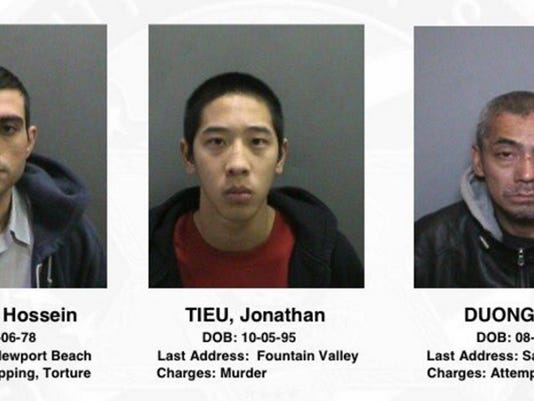 AP INMATES ESCAPE A USA CA