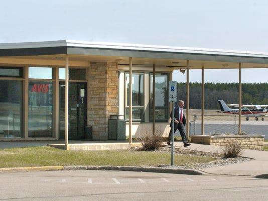 spj 0911 AirportBrief