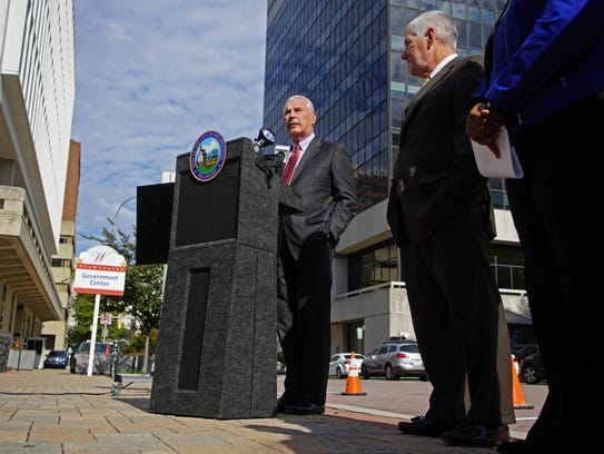 Wilmington Mayor Mike Purzycki announces a new Parkmobile