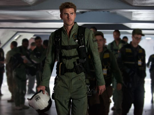 "DF-09723r - Liam Hemsworth portrays Jake Morrison, a heroic fighter pilot of alien-human hybrid jets in ""Independence Day: Resurgence."""