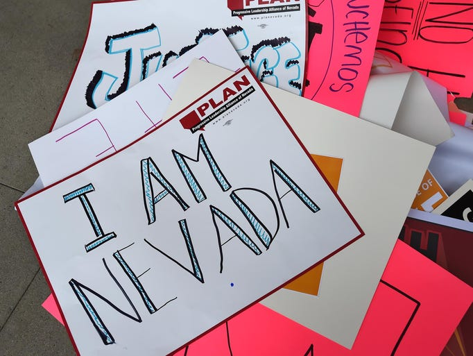 635617002240532508-Protest-in-Carson-Cit