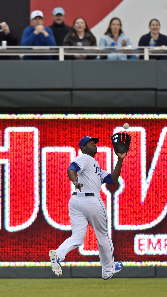 Kansas City Royals center fielder Lorenzo Cain (6)