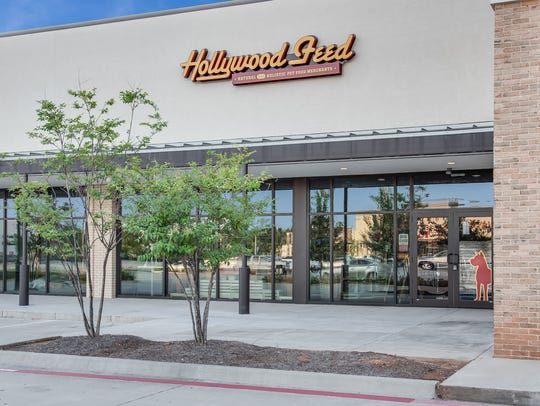 Natural and holistic pet food retailer Hollywood Feed recently opened its first Louisiana location at 1384 East 70th Street, Suite 100 in Shreveport, adjacent to Whole Foods in Fern Marketplace.