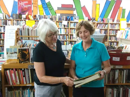 Friends of the Martin County Library System volunteers