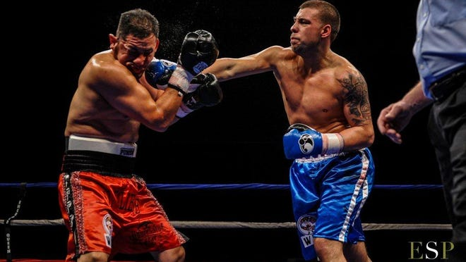 Steve Bujaj of Yonkers, right, stopped former champ Victor Barragan at 1:52 of the seventh round to win the vacant WBC U.S. cruiserweight title on March 22 in Tacoma, Wash.
