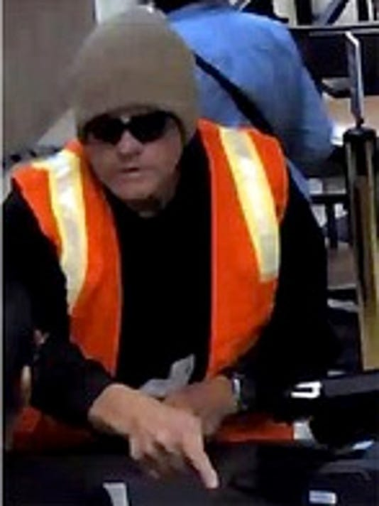 FBI, sheriff's office search for Salem bank robber