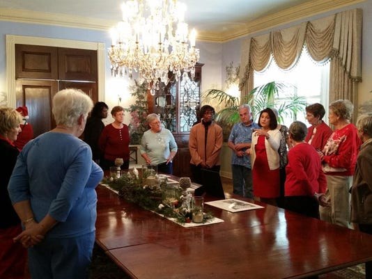 Chaires field trip_Governor's mansion_2