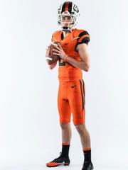 OSU quarterback recruit Jake Dukart passed for 2,656 yards and 27 TDs his senior year at Lake Oswego High School.