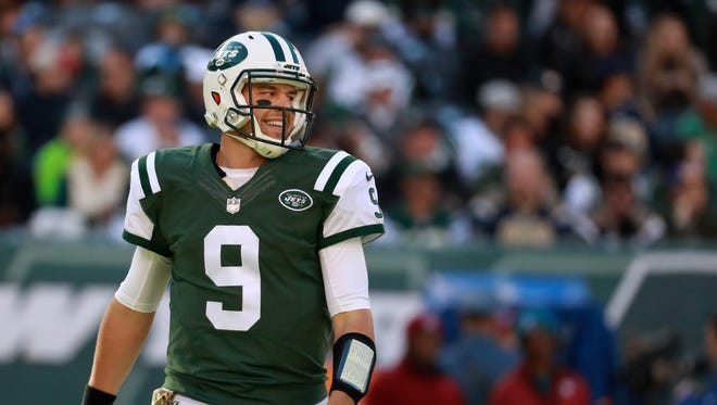 Quarterback  Bryce Petty #9 of the New York Jets looks on in the first quarter against the Los Angeles Rams  at MetLife Stadium on November 13, 2016 in East Rutherford, New Jersey.