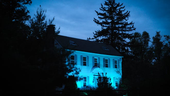 From May 16 to 18, The Willow School signs and Farmhouse waslit in teal.