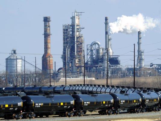 636202602317341726-Oil-trains-at-DCR.jpg