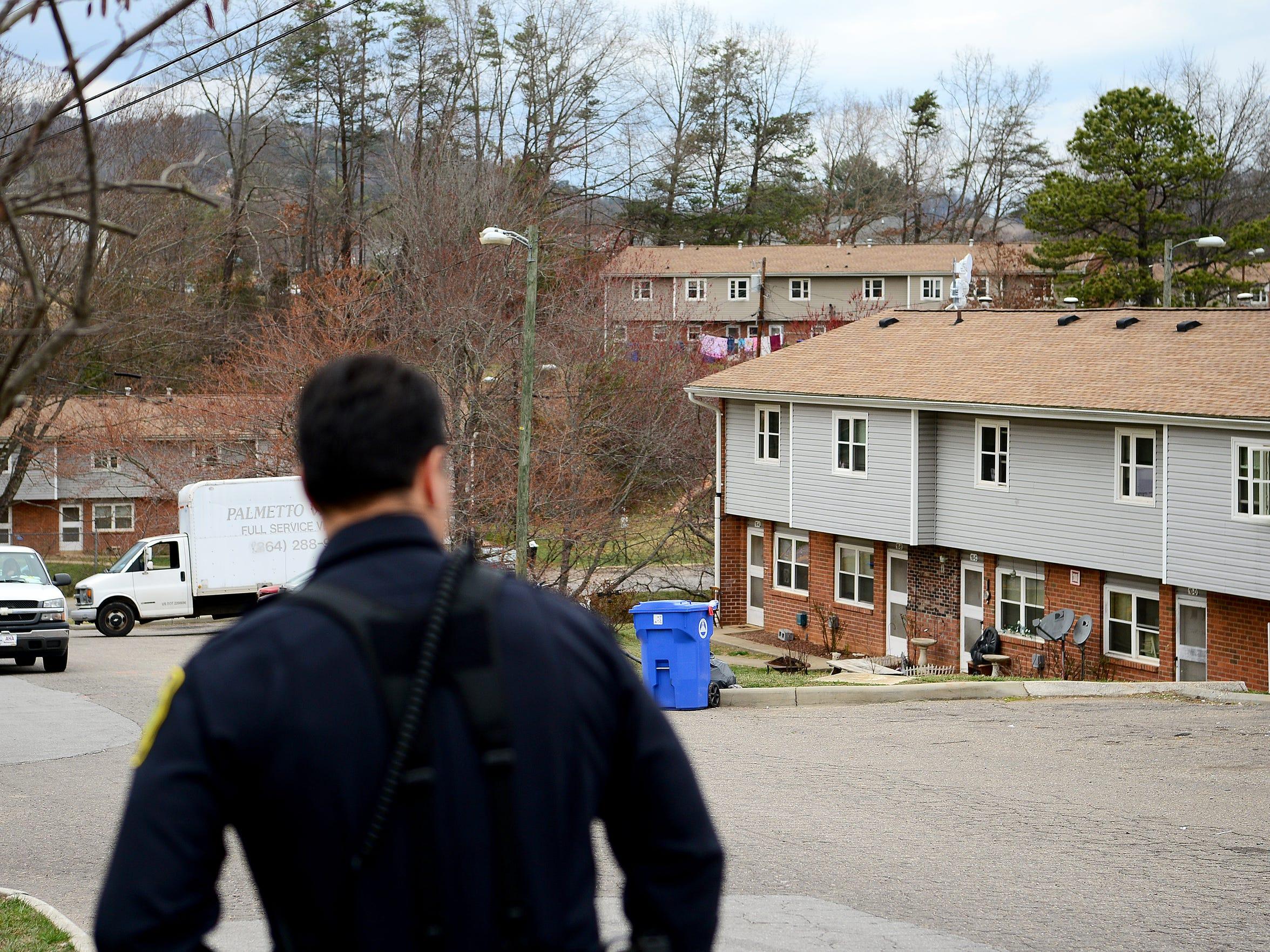 Lt. Mike Lamb patrols the Deaverview Apartments development