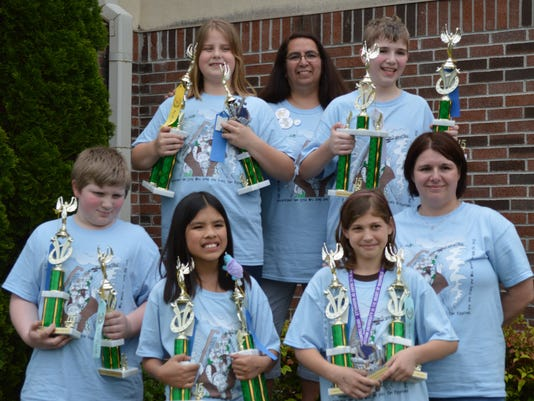 Grace Naz quiz team 1.JPG