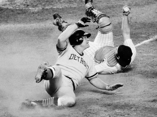 Detroit Tigers' Rusty Staub looks towards the home