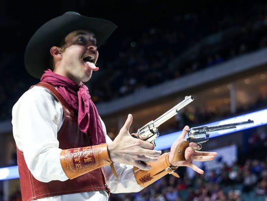 The New Mexico State mascot reacts during an NCAA tournament