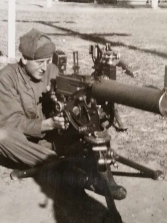 Pete-with-.30-cal-machine-gun.jpg